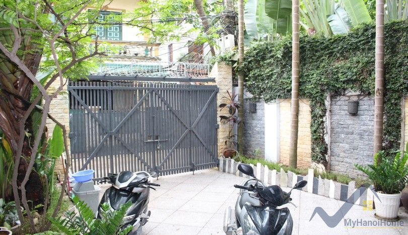 Terraced Tay Ho house for rent unfurnished 03 bedrooms
