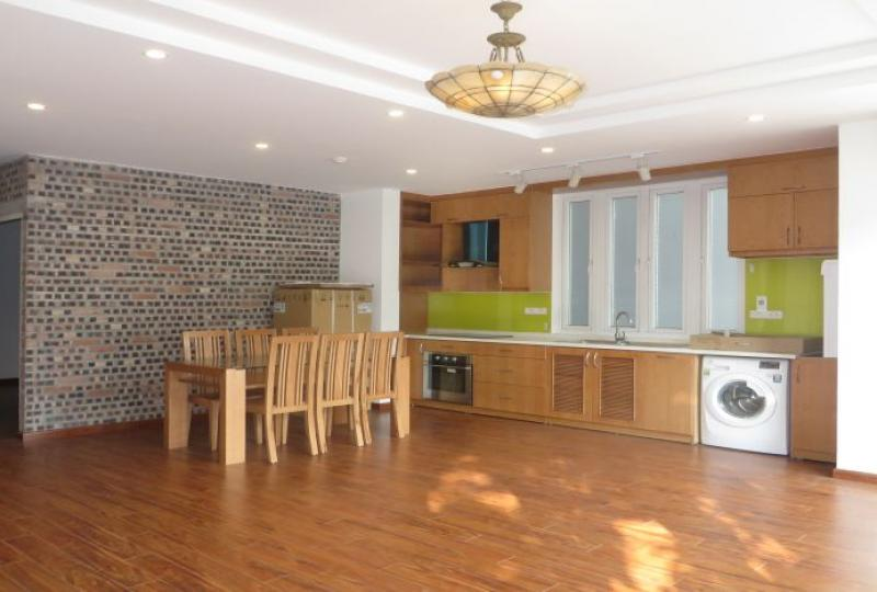 Third floor 2 bedroom apartment to rent in Tay Ho, new