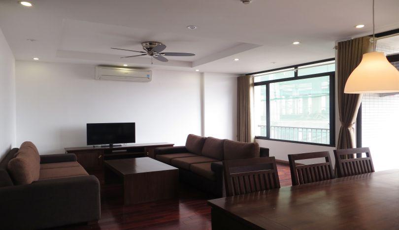 To Ngoc Van street: Duplex apartment for rent in Tay Ho