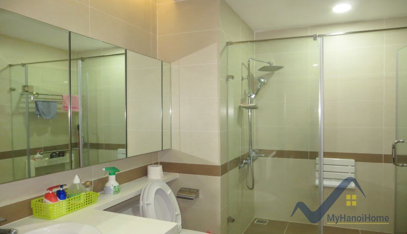 Trang an complex apartment for rent with 3 bedrooms furnished for Apartment complex for rent