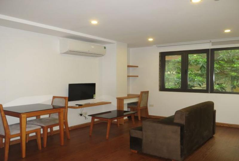 Truc Bach 1 bedroom apartment to rent, direct westlake access