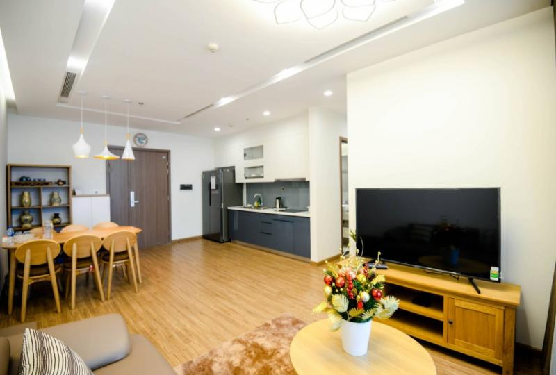 Two beds, Two baths apartment to rent Vinhomes Metropolis Hanoi