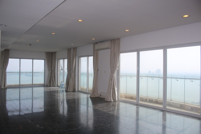 Unfurnished Golden Westlake apartment Hanoi 5beds with Lake view