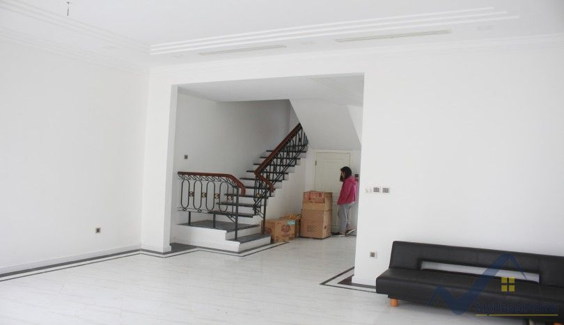 Unfurnished house for rent in Vinhomes The Harmony 4 bedrooms