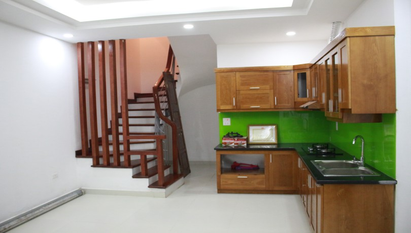 Unfurnished house in Dang Thai Mai for rent with three bedrooms
