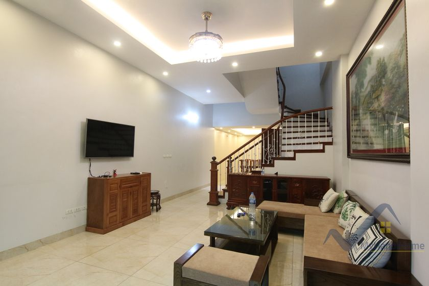 Unfurnished House in Long Bien district short walk to French school