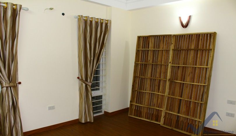 Unfurnished house in Long Bien for rent with 6 bedrooms