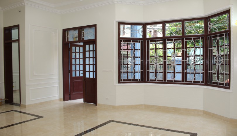 Unfurnished house in Tay Ho Hanoi to rent 5 bedrooms