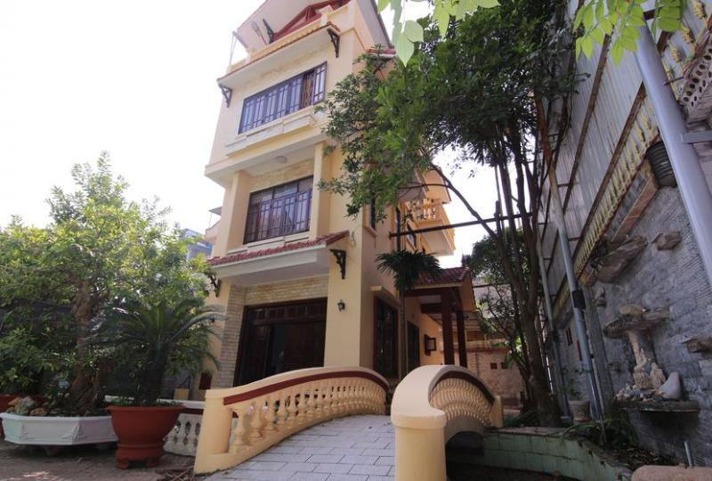 Unfurnished Long Bien house to rent close to French School