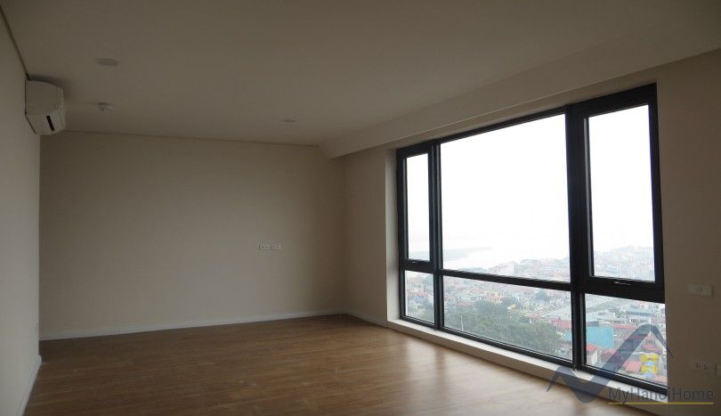 Unfurnished three bedroom flat to rent in Mipec Riverside Long Bien