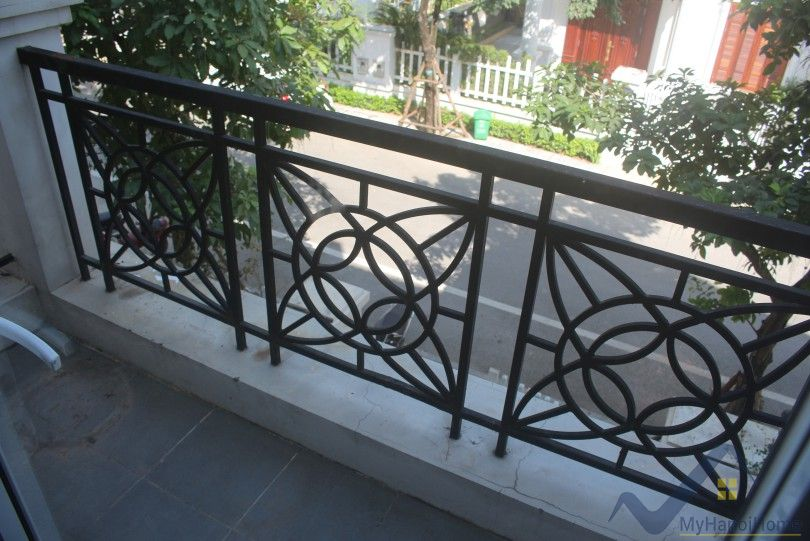 Unfurnished Vinhomes Riverside Hanoi villa 5 bedrooms to lease