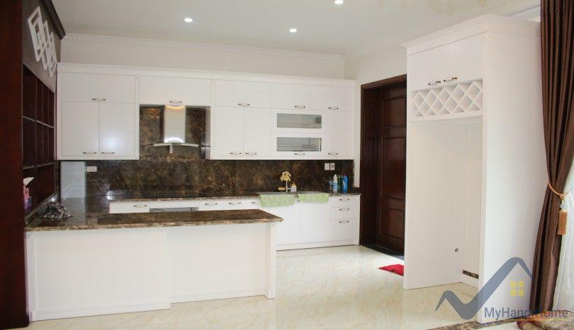 Unfurnished Vinhomes Riverside villa nearby BIS school 04 beds