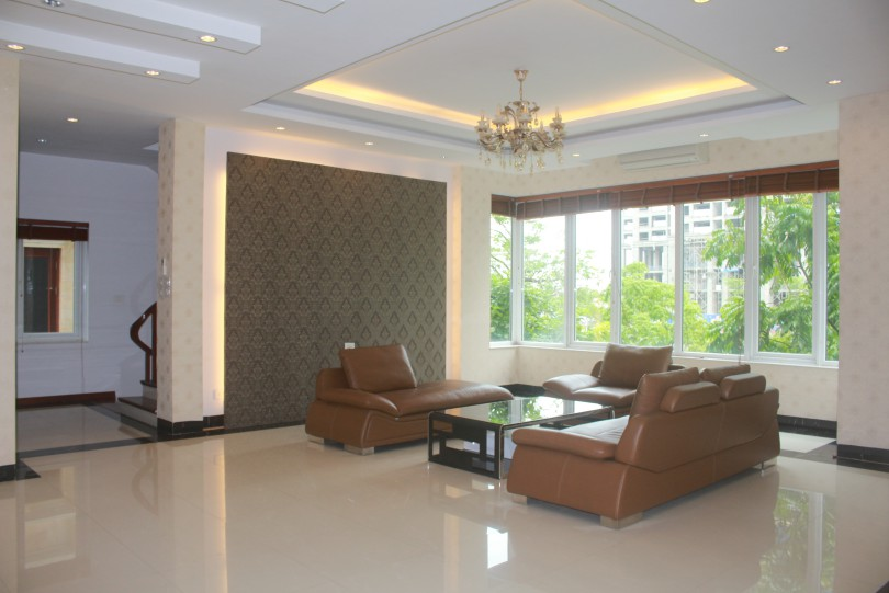 Villa for rent in Tay Ho on Lac Long Quan street with elevator