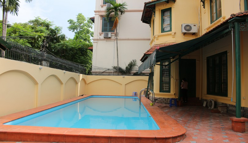 Villa for rent Tay Ho outdoor swimming pool, car access