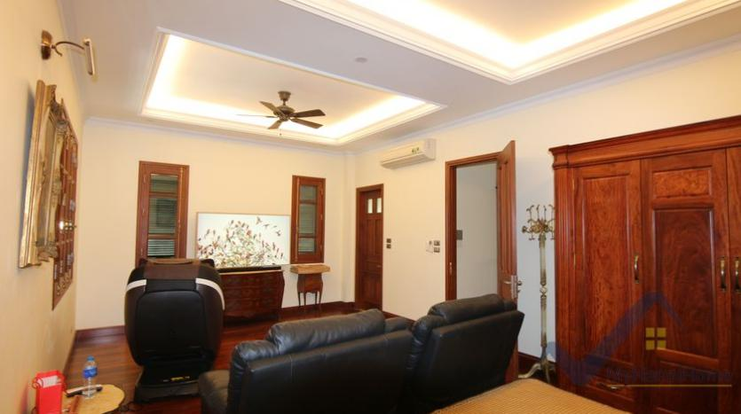 villa-vinhomes-riverside-for-lease-close-bis-school-9