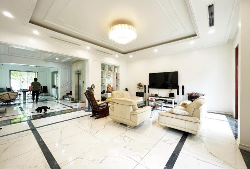 Vinhomes Long Bien and Garden 3 bedroom villa to rent