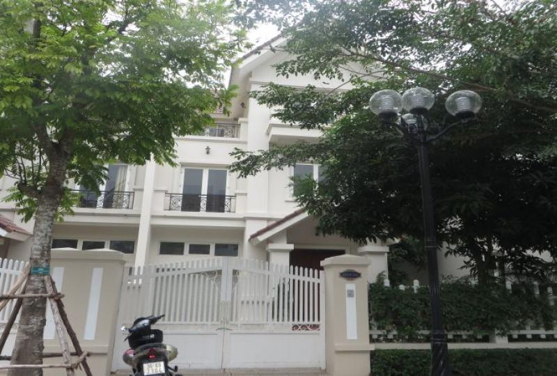 Vinhomes Riverside 4 bedroom villa rental, Hoa Sua area