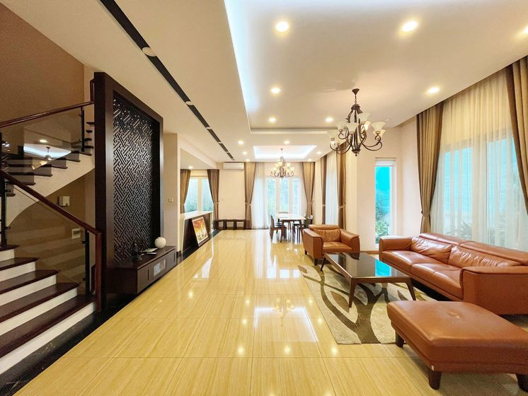 Vinhomes Riverside Hanoi unfurnished villa for rent 4 bedrooms