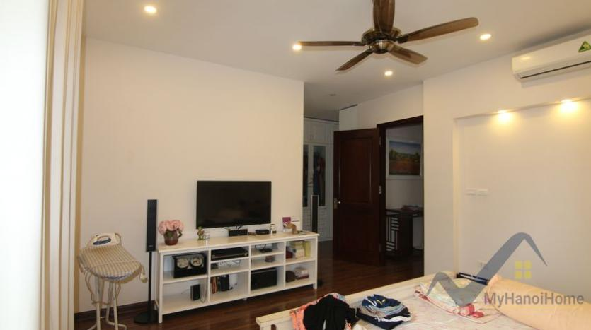 vinhomes-riverside-house-for-rent-with-furnished-4-bedrooms-22