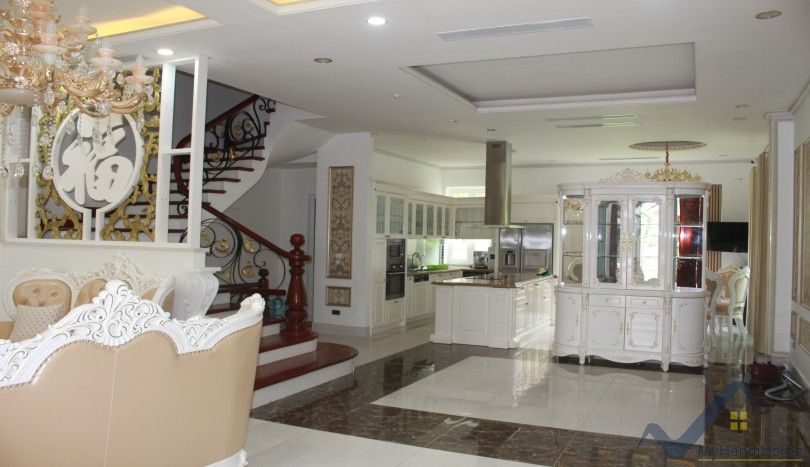 Vinhomes Riverside house rental close Almaz Convention 4 bedrooms