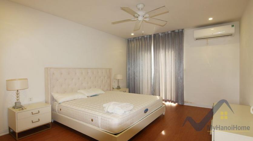 vinhomes-riverside-house-rental-in-hoa-sua-4-bedrooms-13