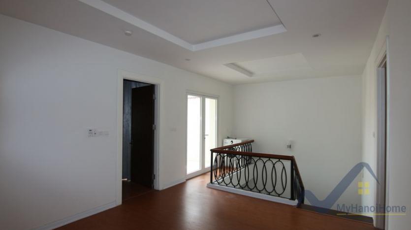 vinhomes-riverside-house-rental-in-hoa-sua-4-bedrooms-16