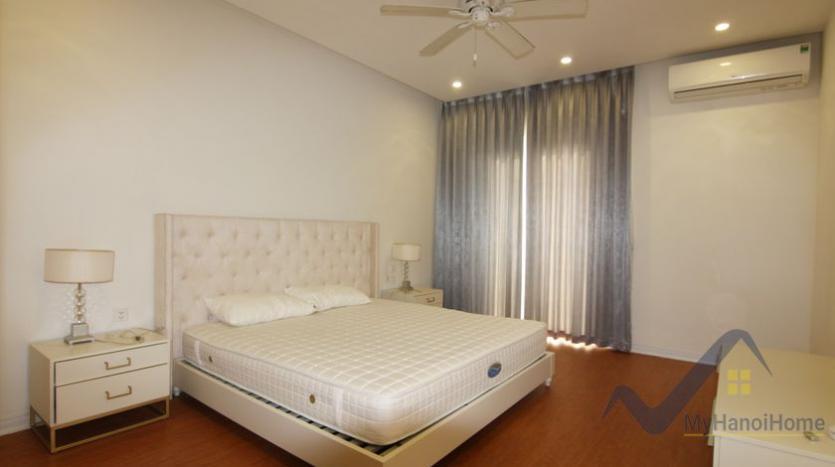 vinhomes-riverside-house-rental-in-hoa-sua-4-bedrooms-5
