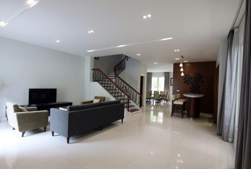 Vinhomes Riverside house rental in Hoa Sua, 4 bedrooms