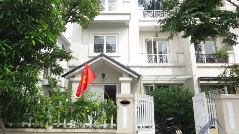 vinhomes-riverside-long-bien-villa-for-rent-fully-furnished-nice-garden-1