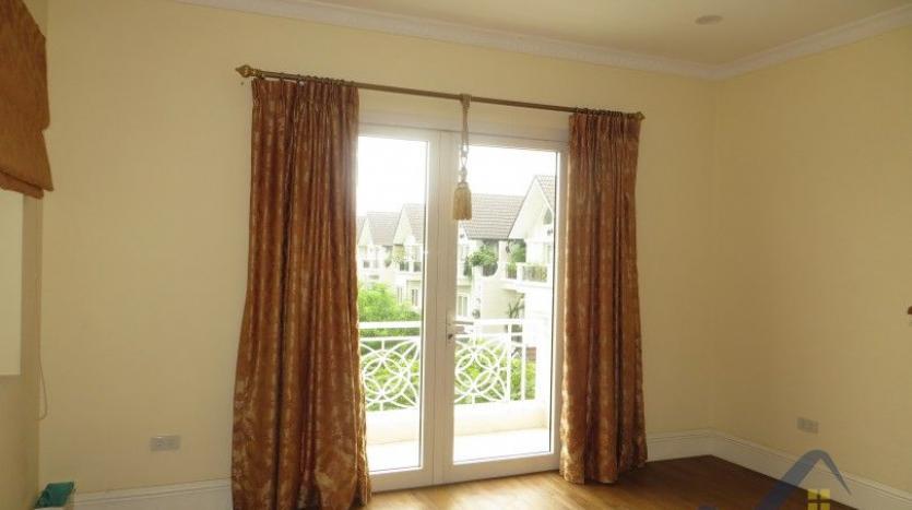 vinhomes-riverside-long-bien-villa-for-rent-fully-furnished-nice-garden-16