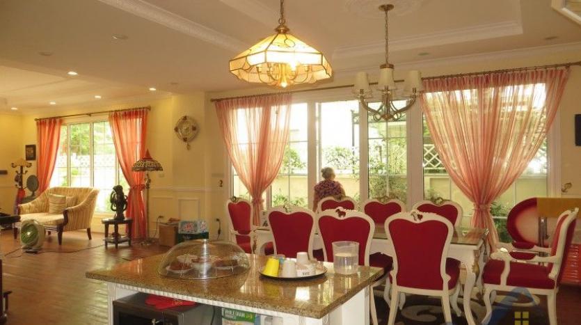 vinhomes-riverside-long-bien-villa-for-rent-fully-furnished-nice-garden-7