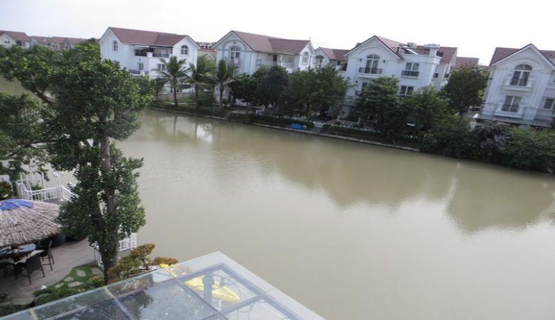 Vinhomes Riverside unfurnished villa to rent in Long Bien