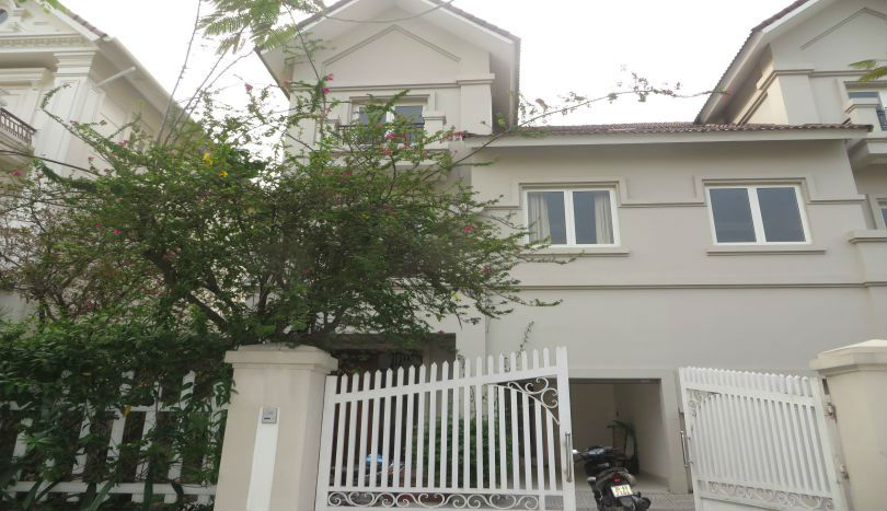 Vinhomes Riverside villa close to Golf course, near BIS school