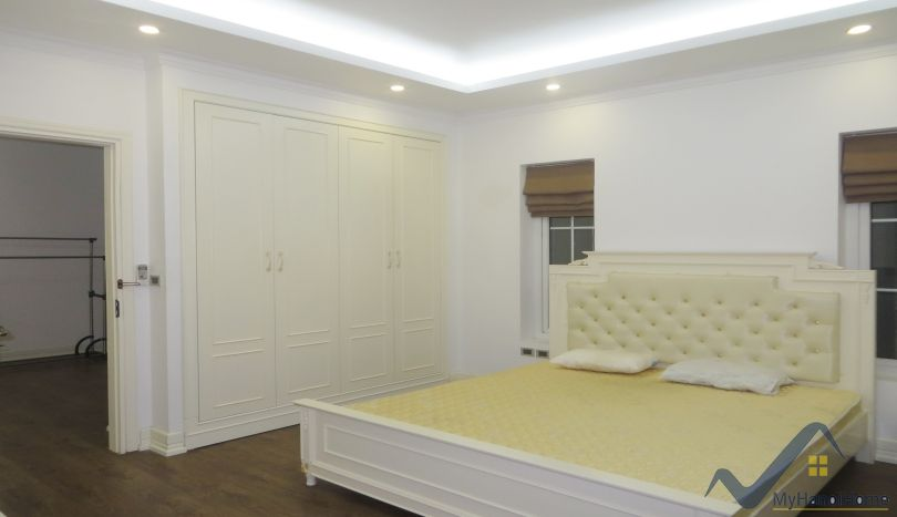 Vinhomes Riverside villa in Long Bien district, Hanoi 4 bedrooms