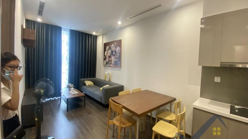 vinhomes-symphony-2beds-2baths-furnished-apartment-to-rent-1