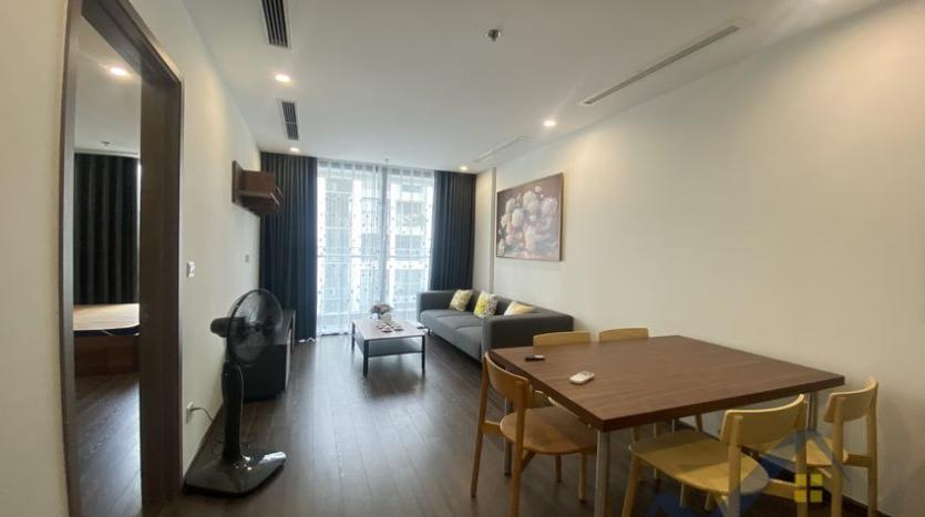 vinhomes-symphony-2beds-2baths-furnished-apartment-to-rent-2