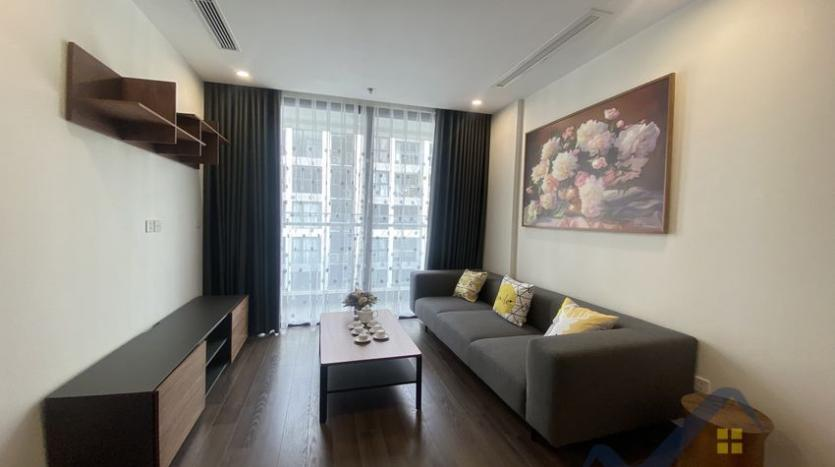 vinhomes-symphony-2beds-2baths-furnished-apartment-to-rent-3