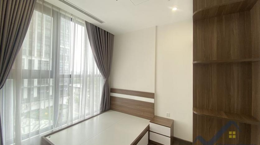 vinhomes-symphony-apartment-with-2bed-2bath-for-rent-11