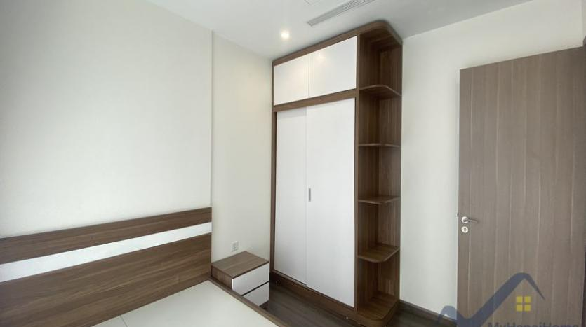 vinhomes-symphony-apartment-with-2bed-2bath-for-rent-12