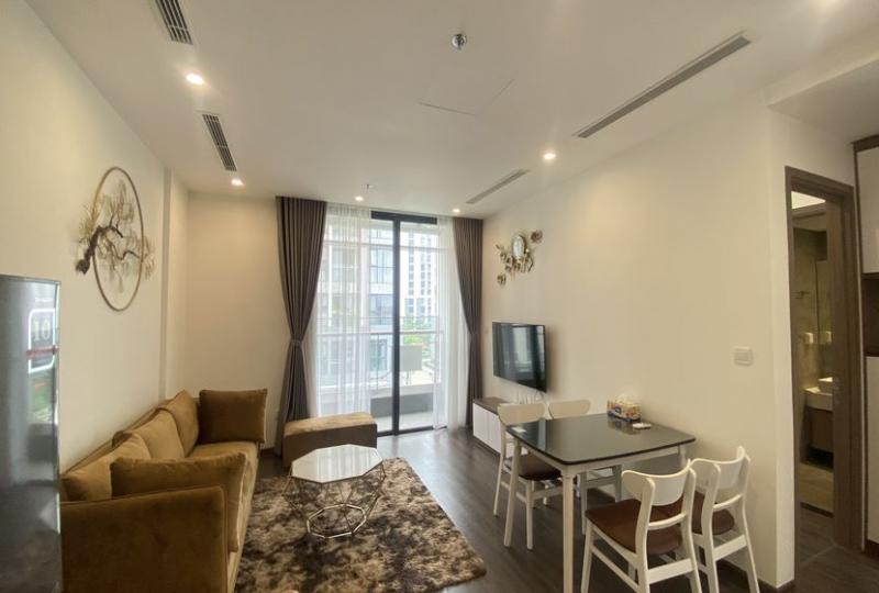 Vinhomes Symphony apartment with 2bed 2bath for rent