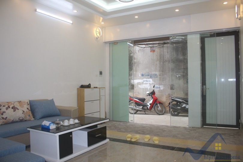Warmly house in Ngoc Thuy Long Bien close French school furnished