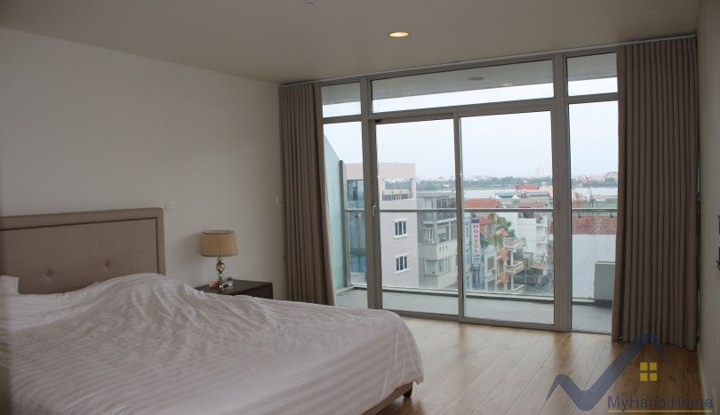 West Lake view Watermark apartment Hanoi to rent, nice balcony