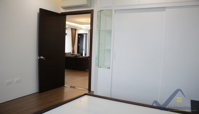 Westlake view apartment in Dang Thai Mai Tay Ho 3 beds
