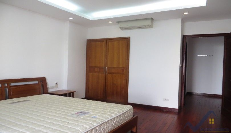 Westlake view apartment in Tay Ho for rent furnished 3 beds