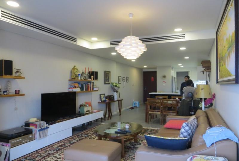 Westlake view two bedroom apartment to rent in Watermark Hanoi
