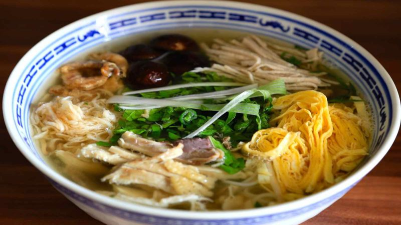 best-dishes-should-try-in-hanoi-vietnam-5