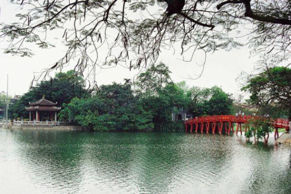 Hoan Kiem Lake – Ngoc Son Temple