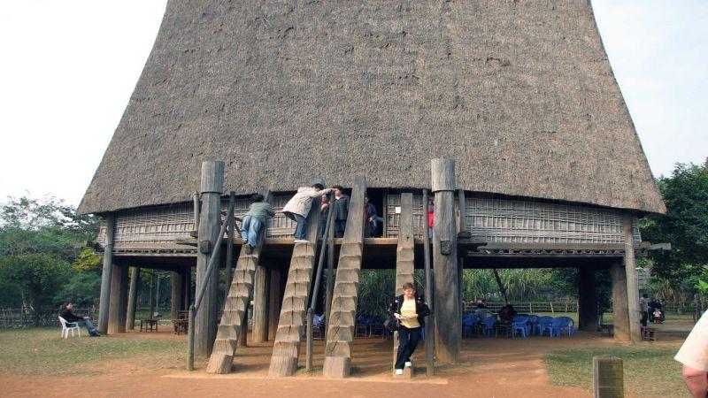 vietnam-museum-of-ethnology-2