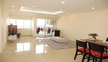 Lake view 1 bedroom apartment on Oriental Westlake Tay Ho district
